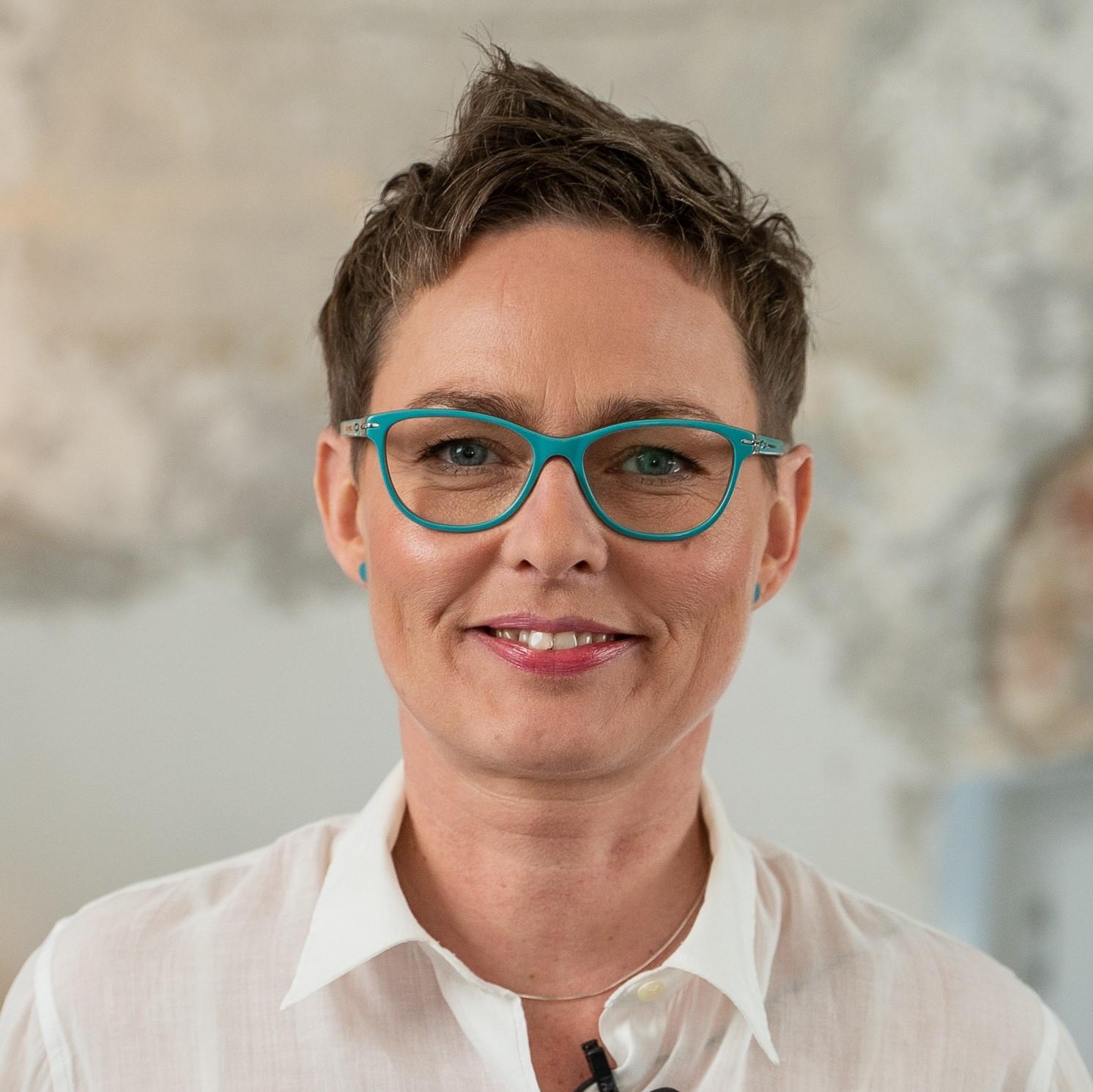 http://akademia.prodialog.pl/wp-content/uploads/2020/05/Katarzyna-Czepnik.jpg
